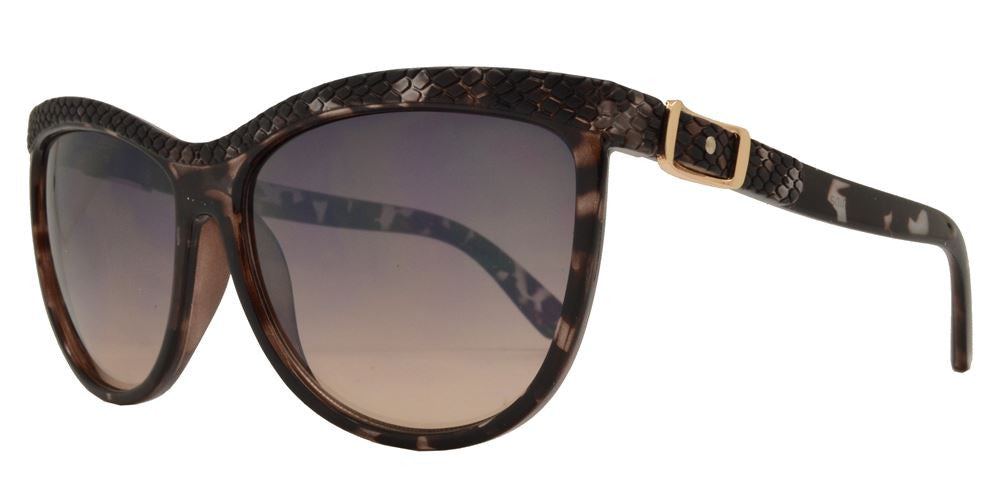 Wholesale - FC 6181 - Cat Eye Women Plastic Sunglasses - Dynasol Eyewear