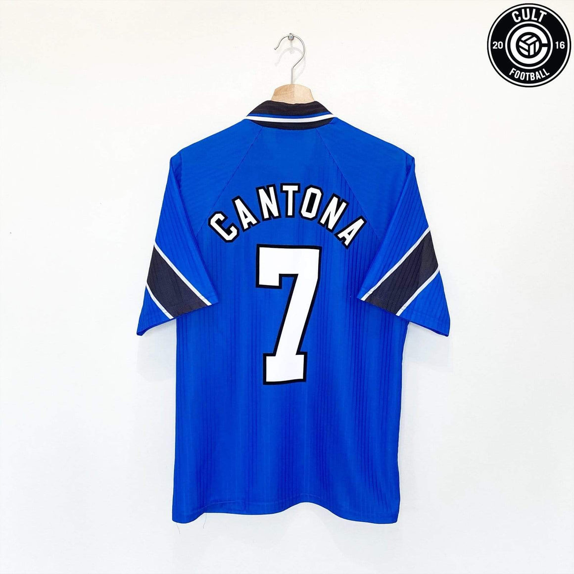 Cult Football 1996/97 CANTONA #7 Manchester United Vintage Umbro Away Football Shirt (M)