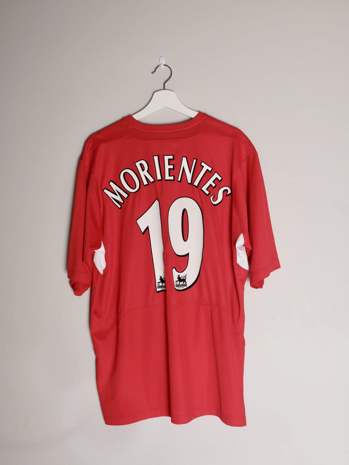 Football Shirt Collective 2005-06 Liverpool Home shirt XL Morientes 19 (Signed)