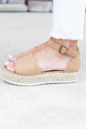 Scallop Platform Sandals - Camel