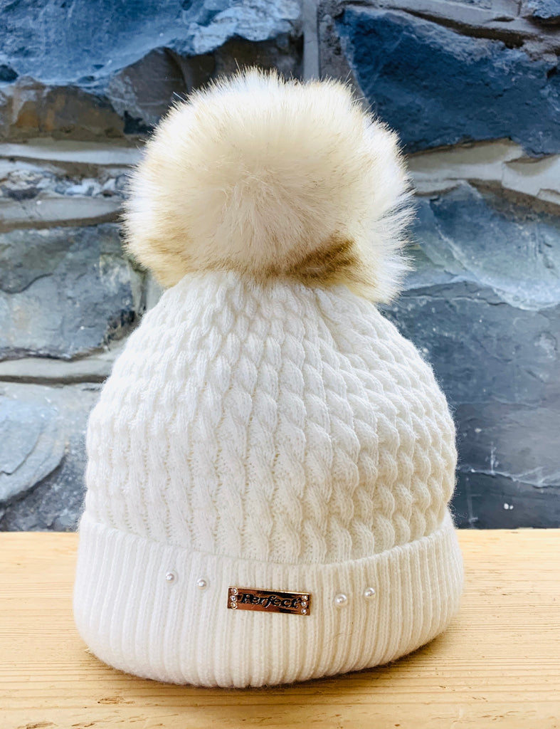 Perfect Cream Bobble Hat