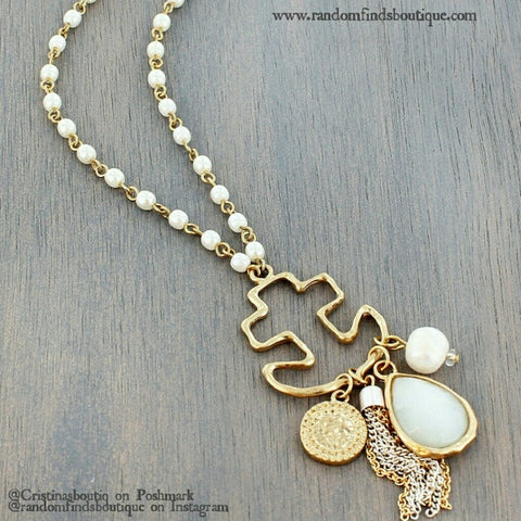 GOLD TONE ANCHOR AND JADE TEARDROP PENDANT PEARL ENDLESS NECKLACE