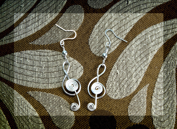 Treble clef earrings, square wire