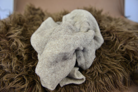 https://newbornstudioprops.com/products/wool-wrap-oatmeal?_pos=2&_sid=d531f2ccb&_ss=r