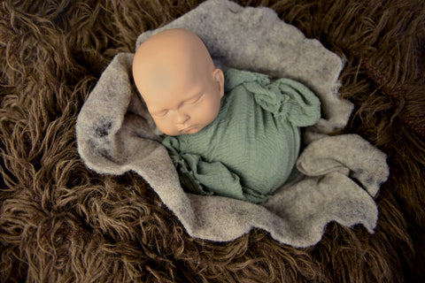 newborn.posing.tutorial.img1