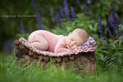 Curved Rustic Stand-Newborn Photography Props