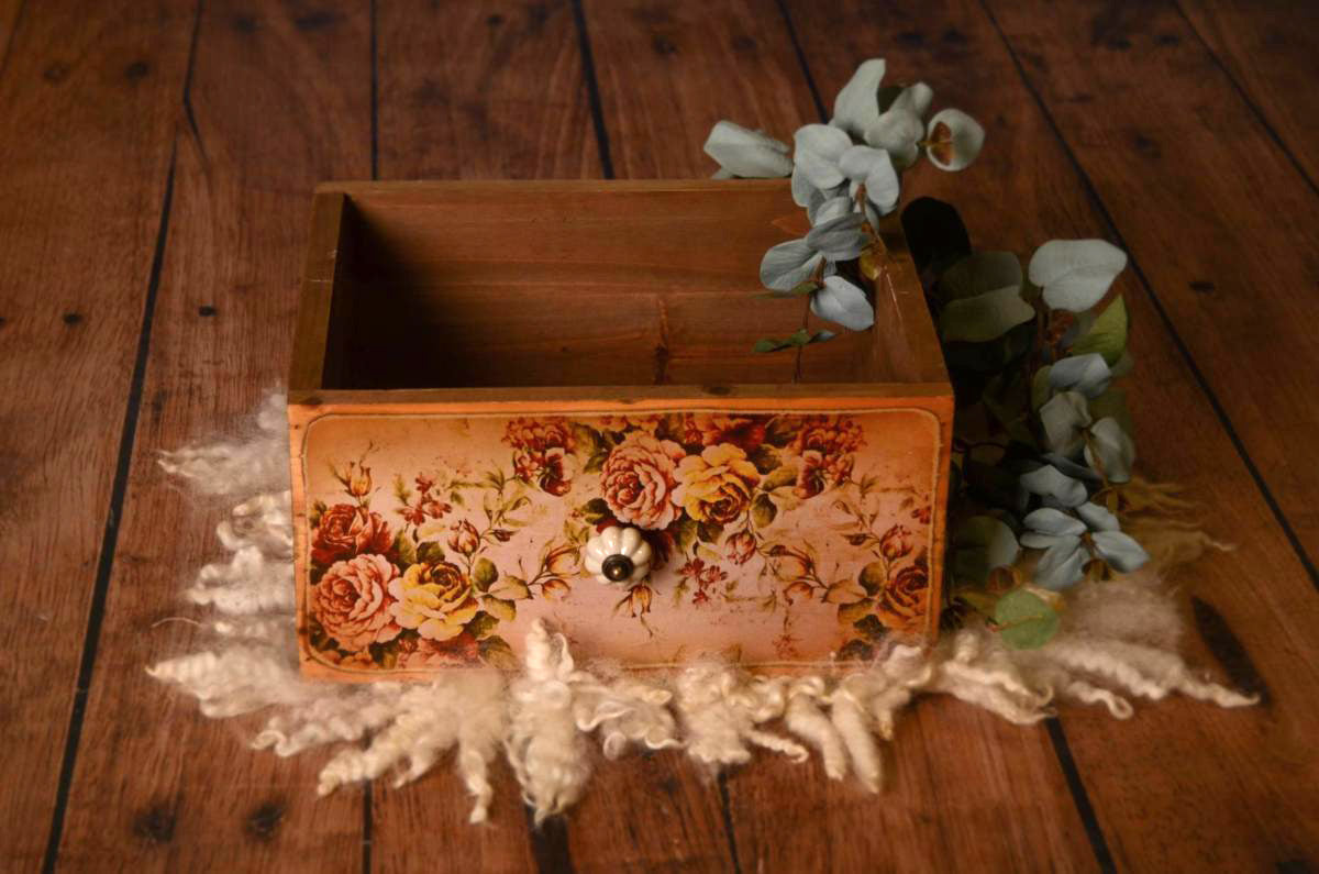 Rustic Box Baby Photography Prop