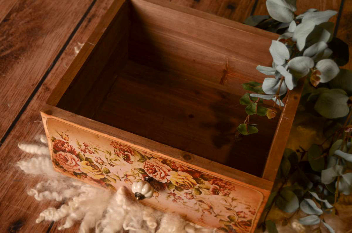 Rustic Drawer - Floral Print Model 2