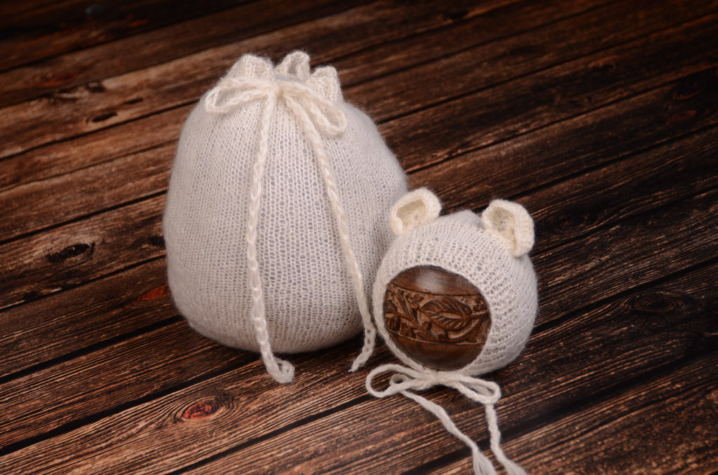 SET Mohair Bear Bonnet and Sack - White