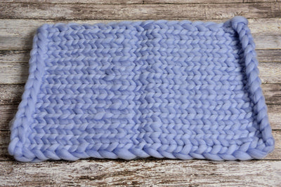 Knitted Thick Yarn Blanket - Light Blue