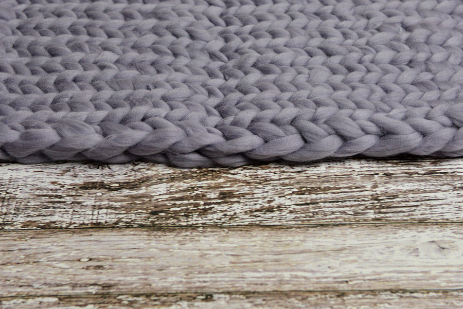 Knitted Thick Yarn Blanket - Light Gray