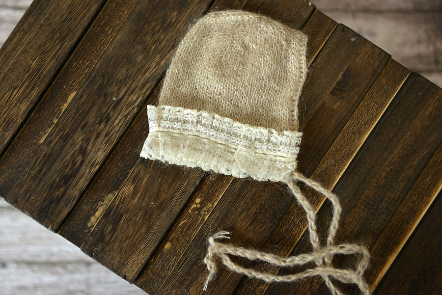 Mohair Bonnet with Lace - Beige