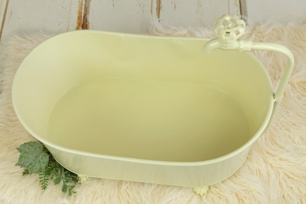Footed Vintage Bathtub - Light Yellow - Model 2