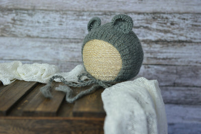 Bear Bonnet for baby photography