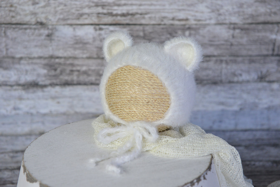 SET Bear Bonnet and Suit - White