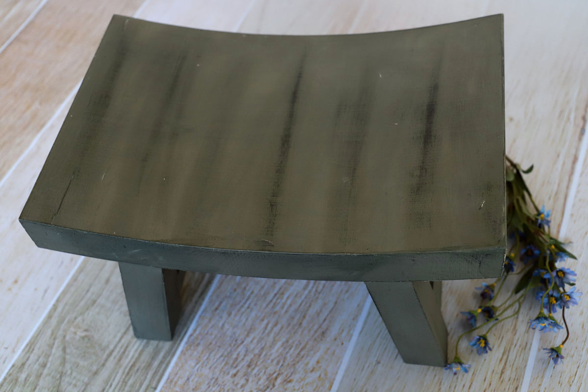 Curved Vintage Bench - Model 2 - Green
