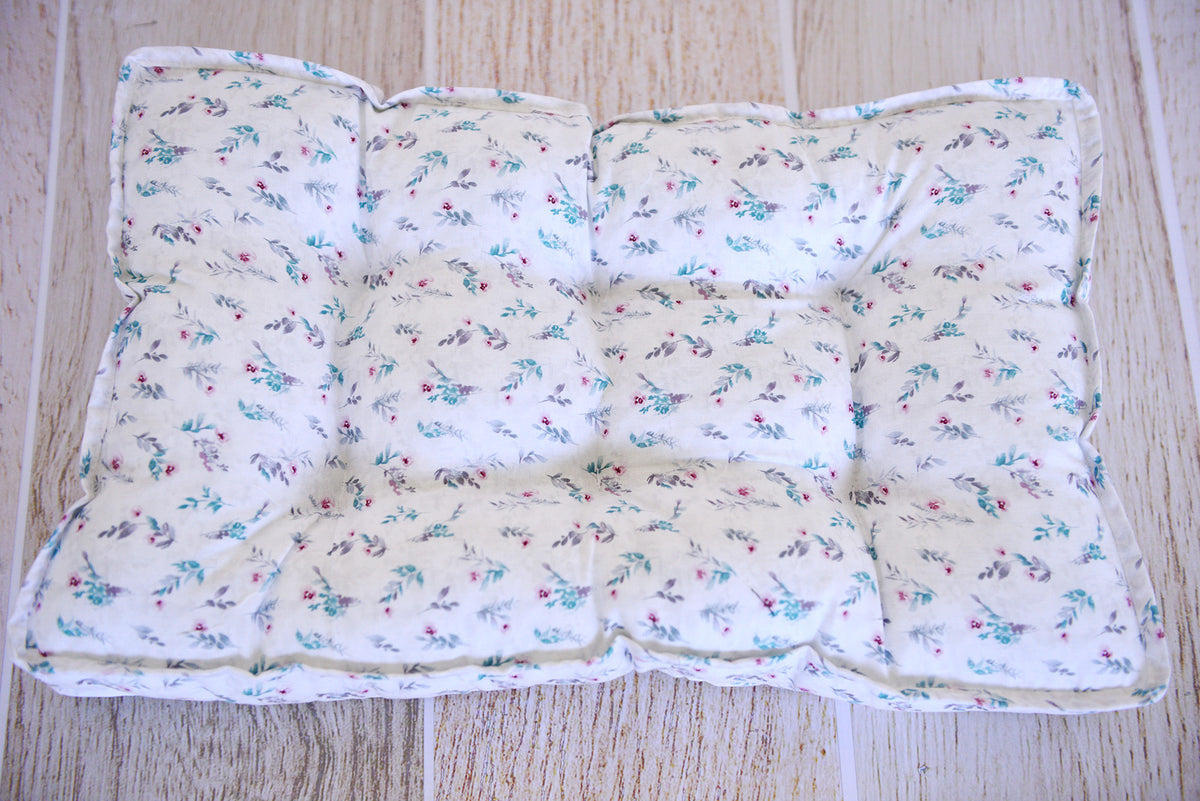 SET Mattress and Pillow - Dainty Floral Stems