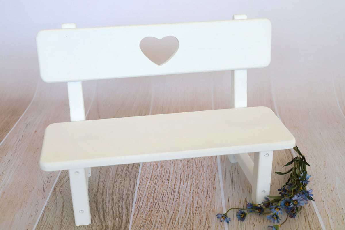 Park Bench - Heart Center - White
