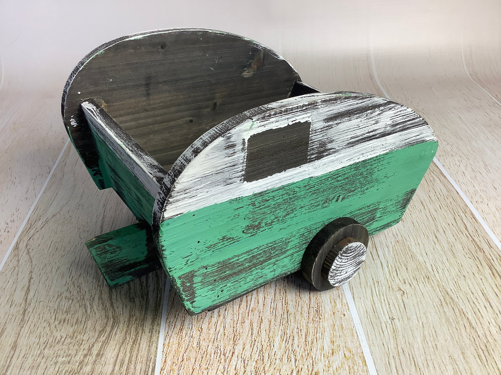 Rustic Camper - Green (AS IS ITEM #01)