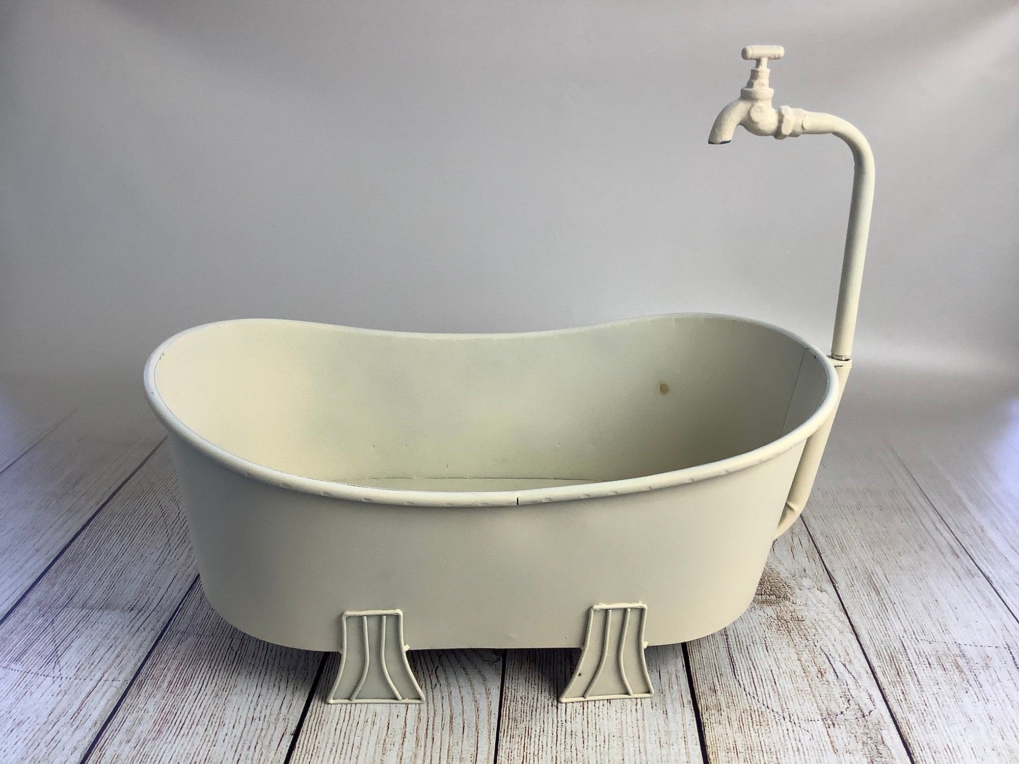 Footed Vintage Bathtub - Beige - Model 2 (AS IS ITEM)