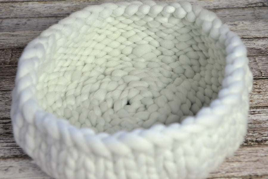 Knitted Thick Yarn Basket - White