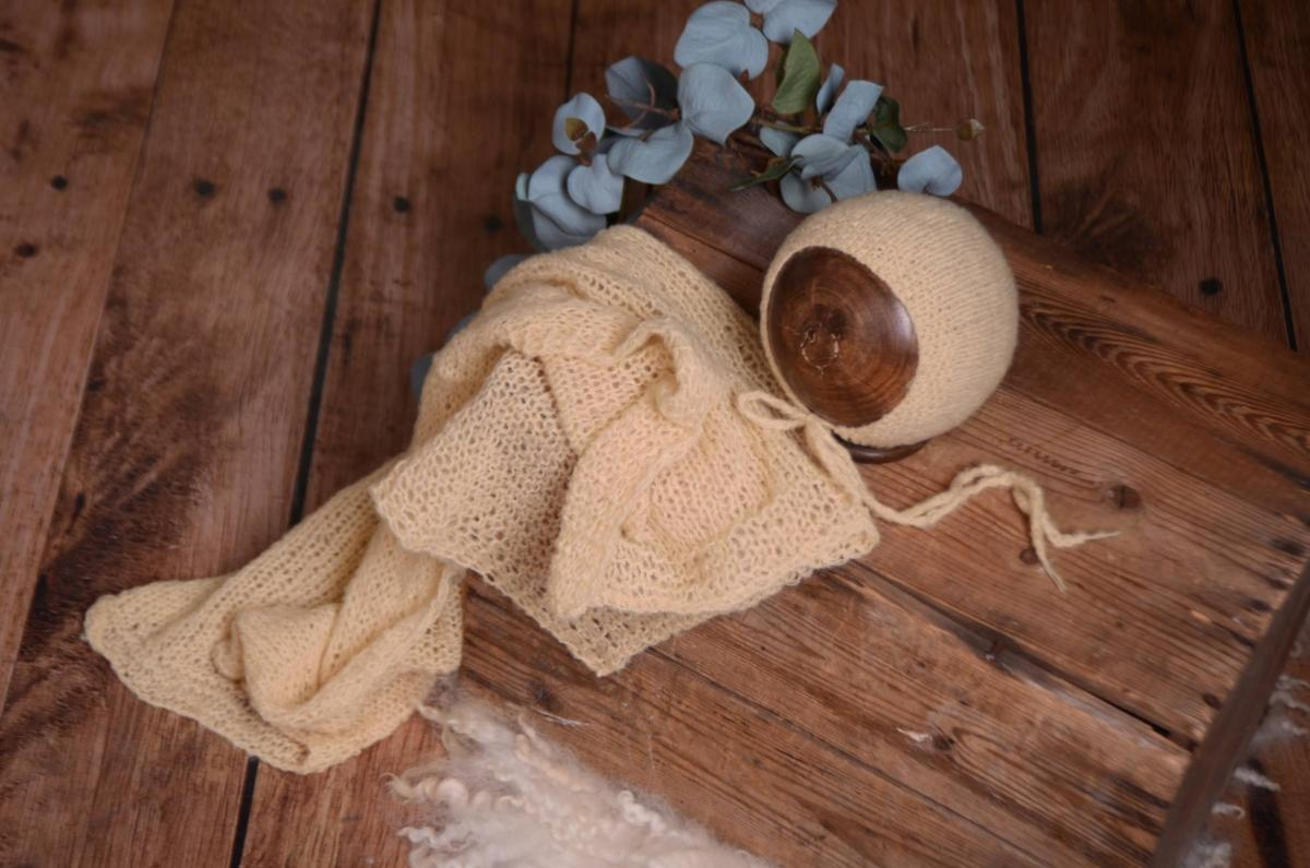 SET Smooth Mohair Bonnet and Wrap - Beige