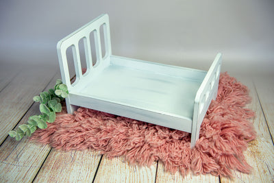 Rustic Bed - Straight Headboard with Curved Spindles - White