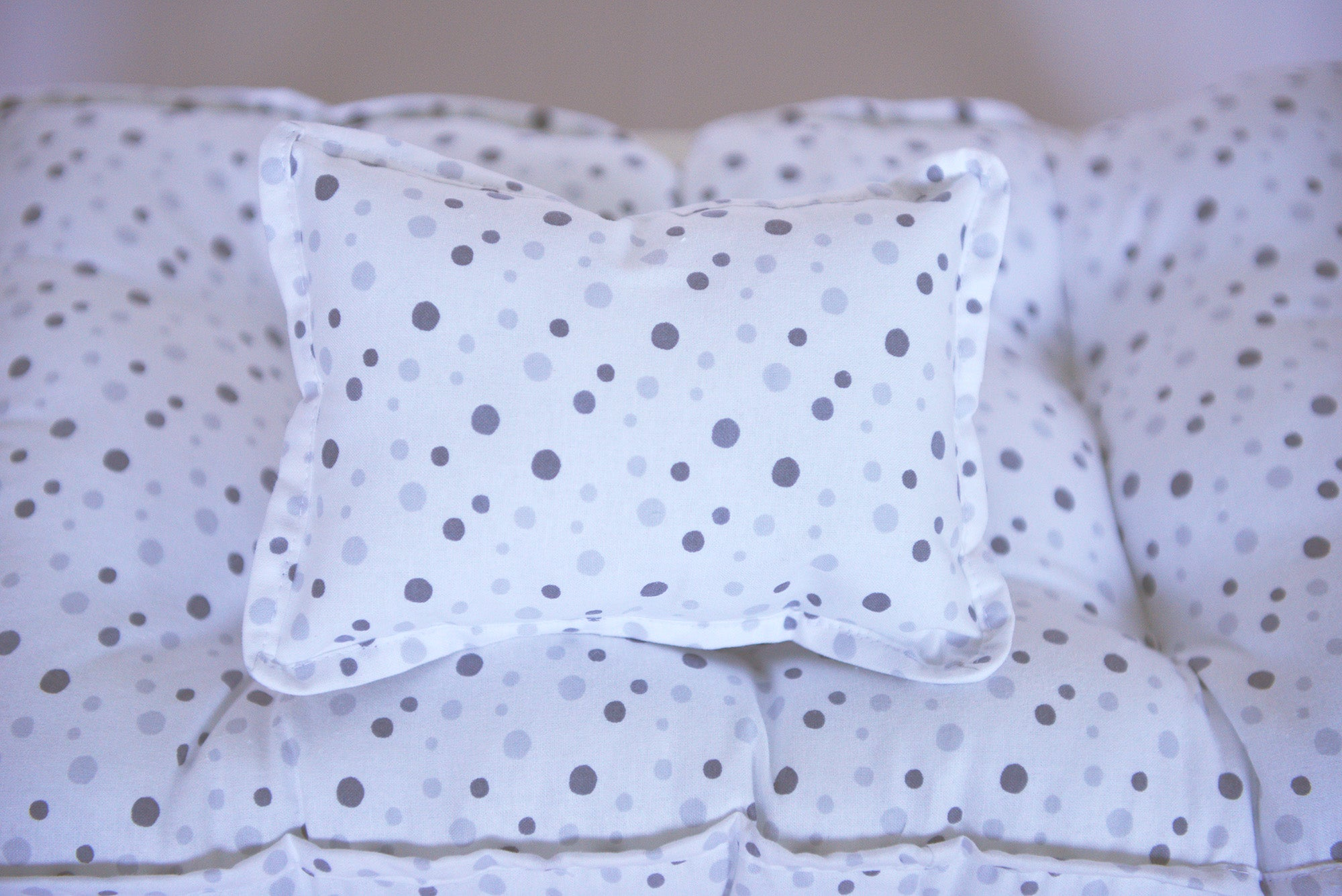 SET Mattress and Pillow - Gray Multi Dots