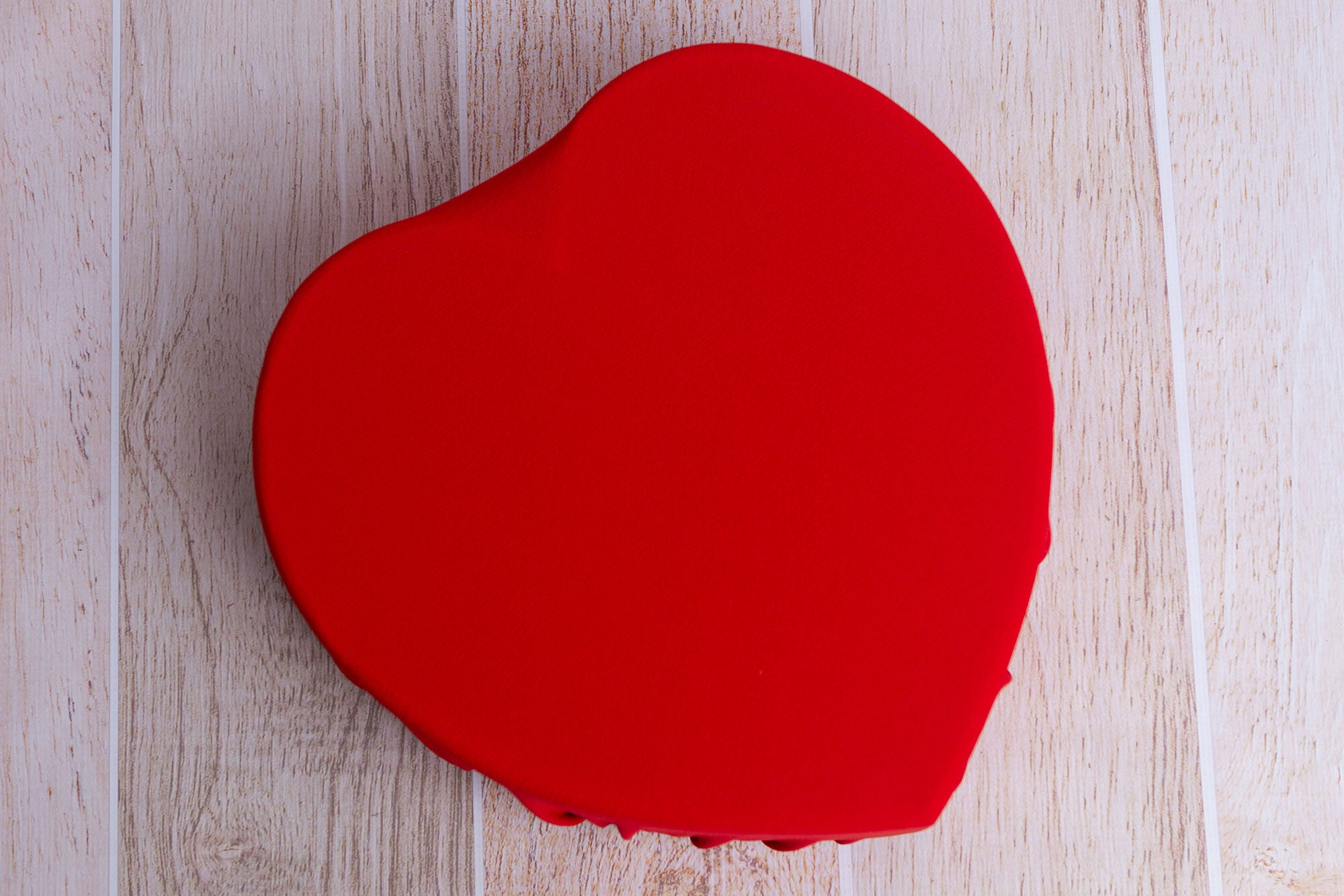 Toggle Tie Cover for Vintage Heart Bowl - Textured - Red