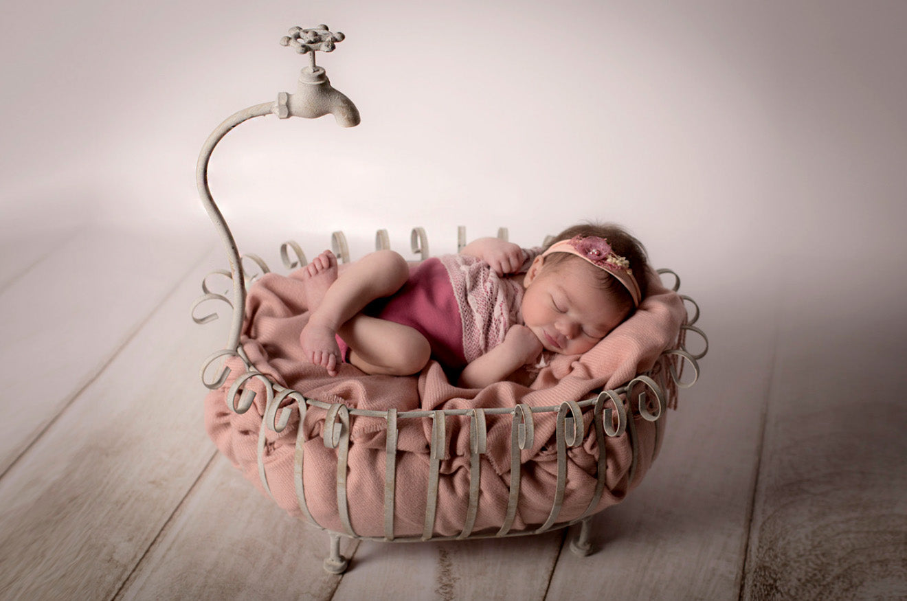 Vintage Bathtub Newborn Photography Prop