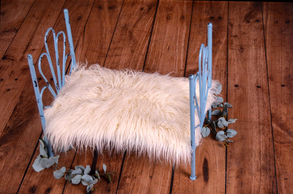 Vintage Bed - Blue Flower Style Headboard - Solid Base-Newborn Photography Props