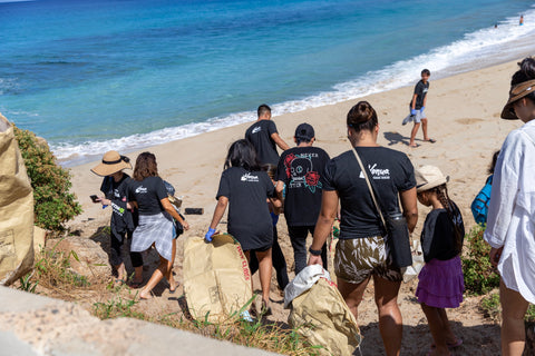 Honua Ohana group at the beach cleanup