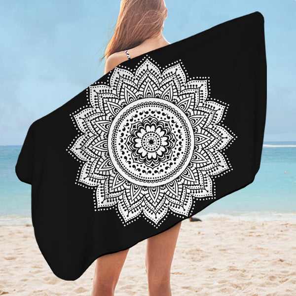 Simple Black and White Mandala Microfiber Beach Towel