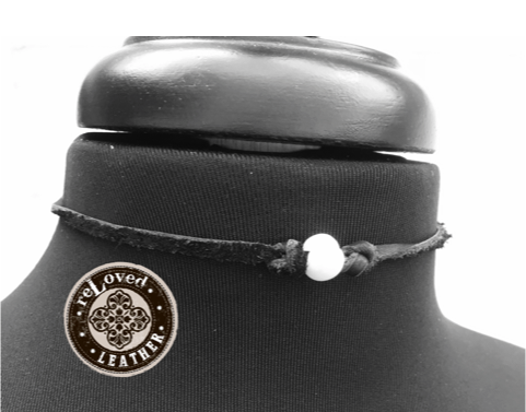 Black Leather Choker Fresh Water Pearl - Single Tie