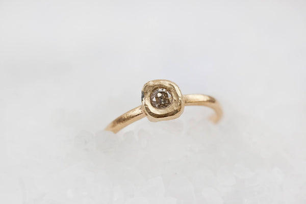 Beauty - Gold and Diamond Ring