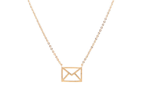 Letter Lover Necklace Gold