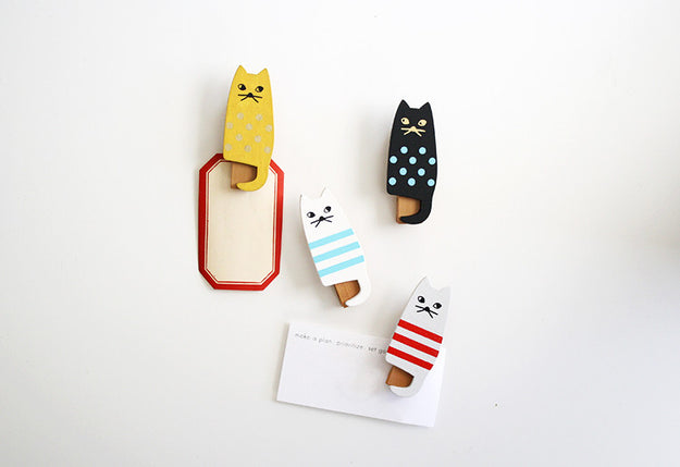 Wooden Cat Clips