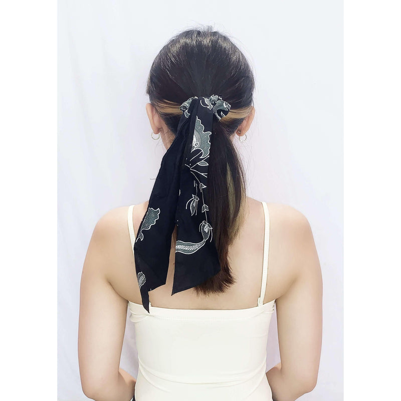 Pink N' Proper:Batik Scrunchie with Ribbon in Black