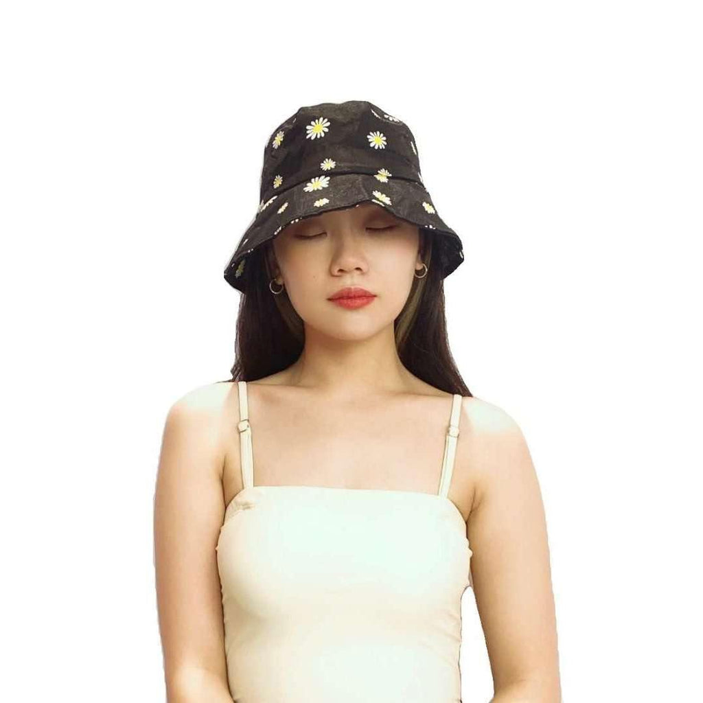 Pink N' Proper:Daisy Mesh Beach Bucket Hat in Black