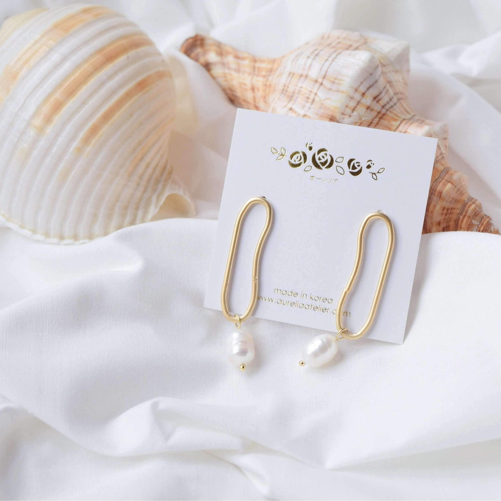 Pink N' Proper:Gold Pearl Ovine Earrings