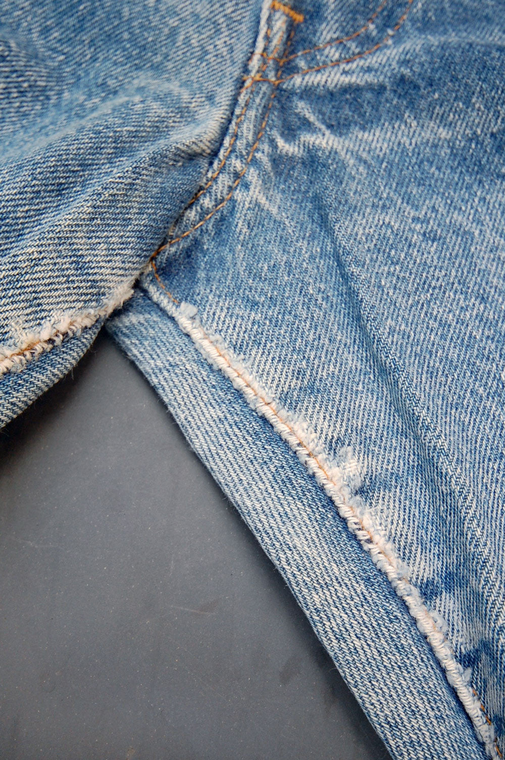 Vintage Levi's 501 USA Transitional Super Whiskered Denim Jeans