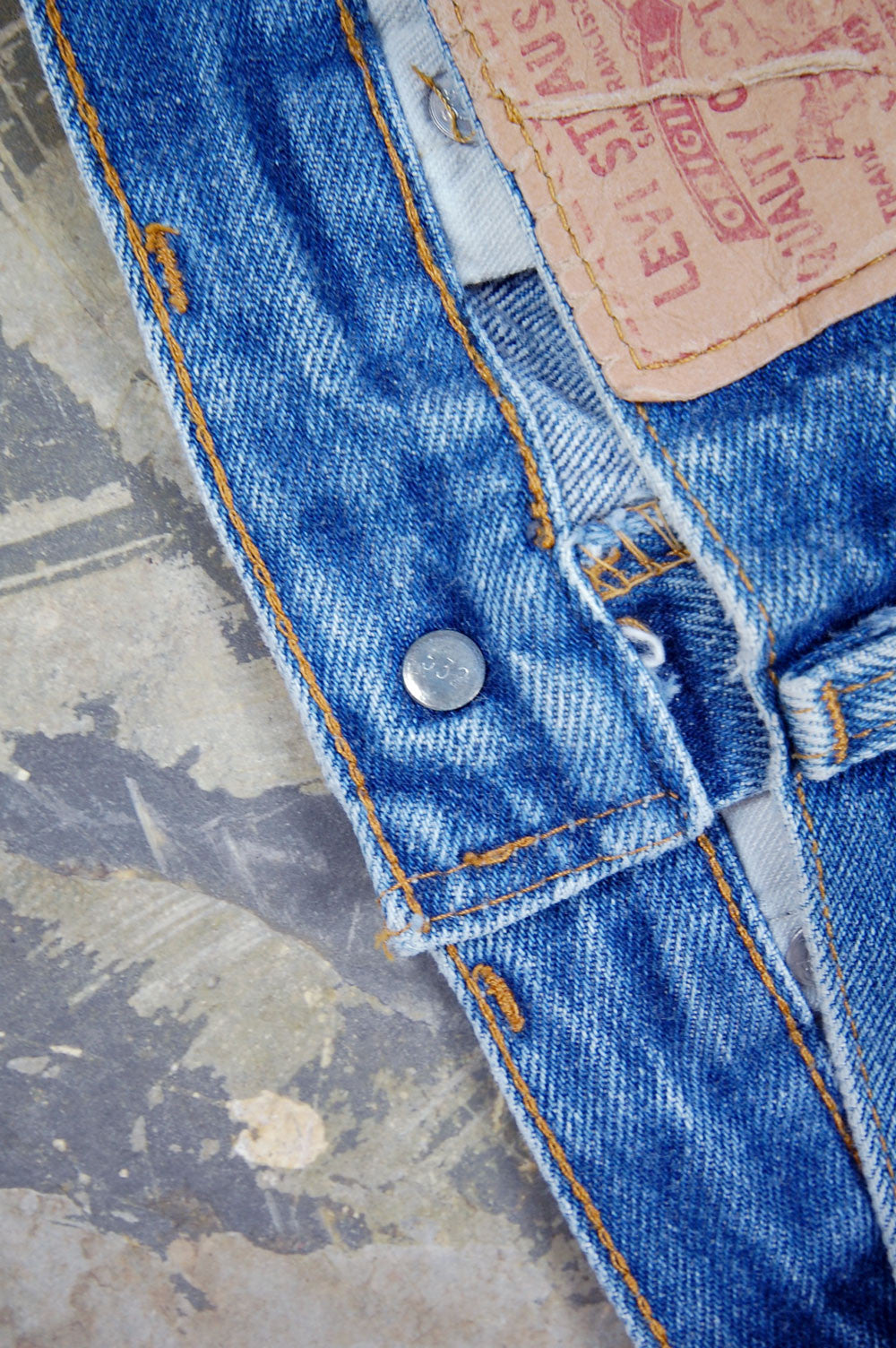 Vintage Levi's 501 USA Transitional Whiskered Denim Jeans