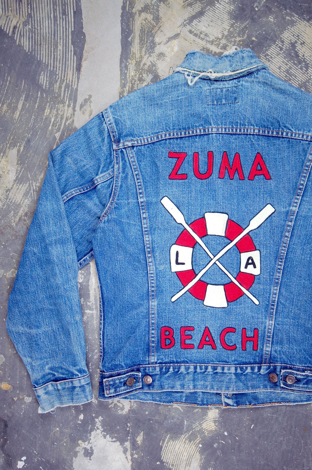 Vintage Levi's 2-Pocket USA Chain-Stitched Zuma Beach Artwork Denim Trucker Jacket