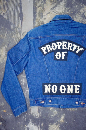 "Vintage Wrangler 2-Pocket USA Chain-Stitched ""PROPERTY OF NO ONE"" Rocker Patch Sanforized Denim Jacket"