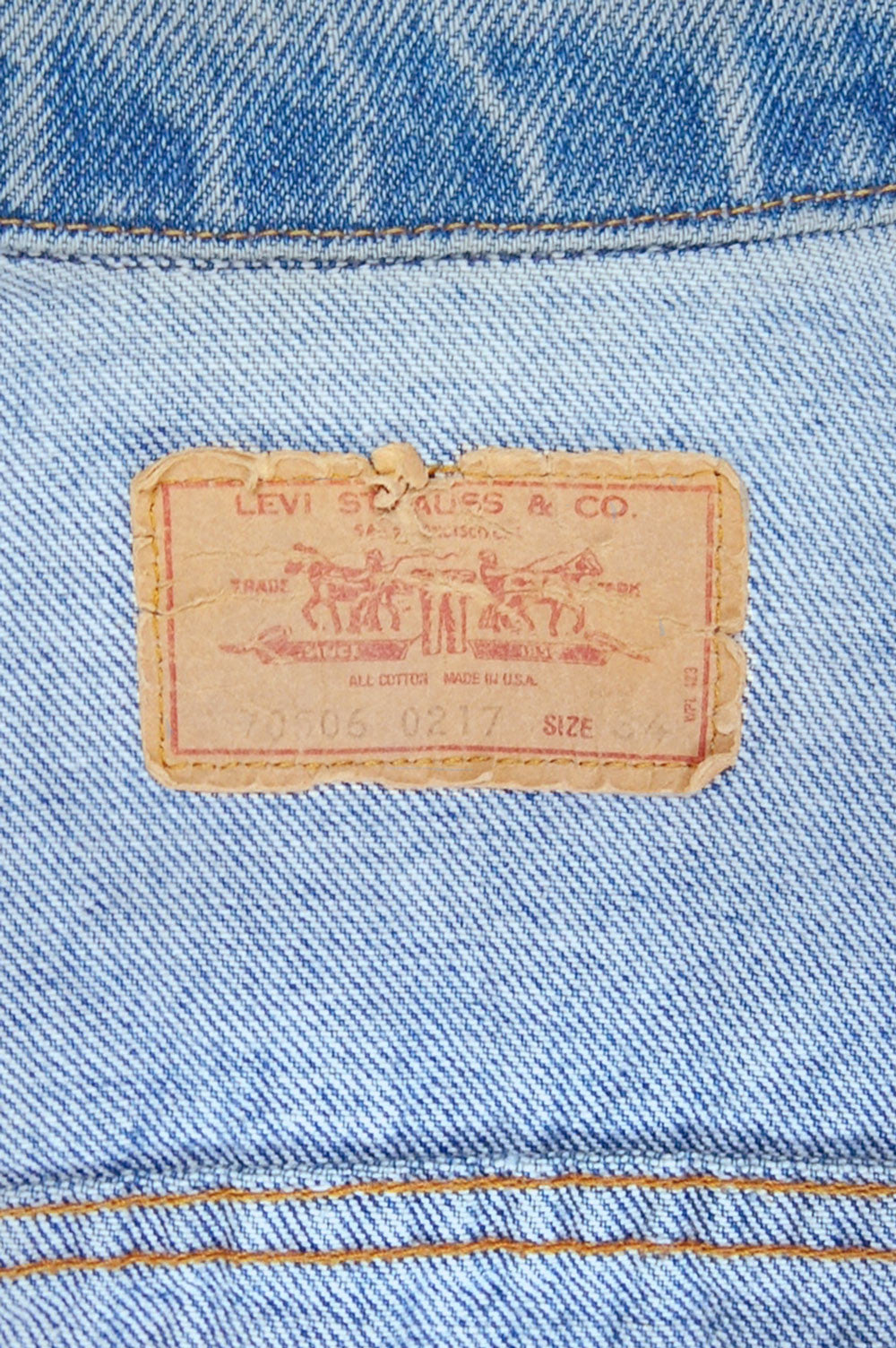 Vintage Levi's 4-Pocket USA Chain-Stitched Sparrow Artwork Trucker Denim Jacket