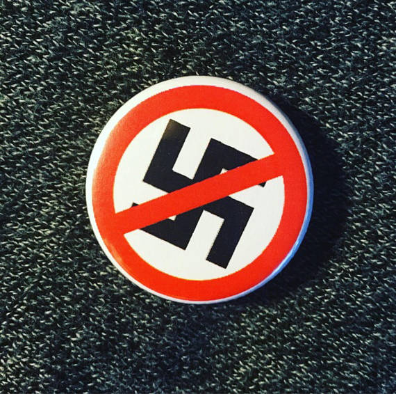 Anti-nazism button