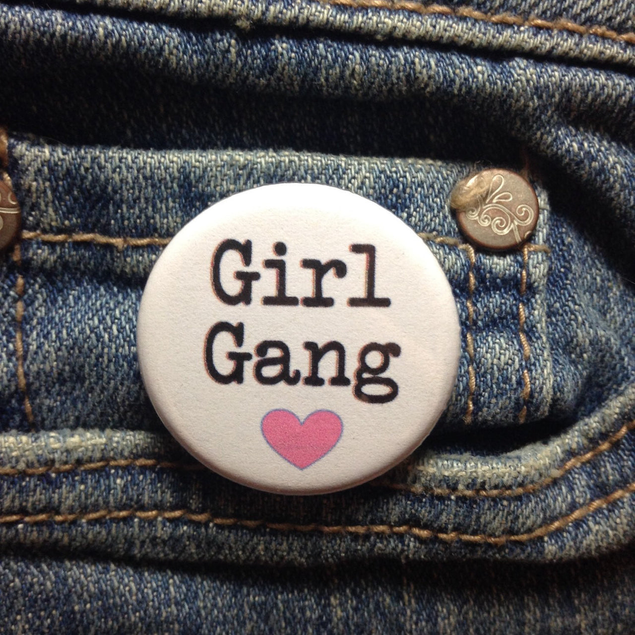 Girl gang button - Radical Buttons