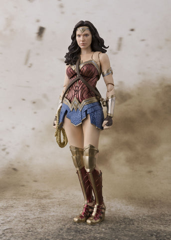 In Stock! Justice League S.H.Figuarts Wonder Woman - 6-Inch Scale Figure