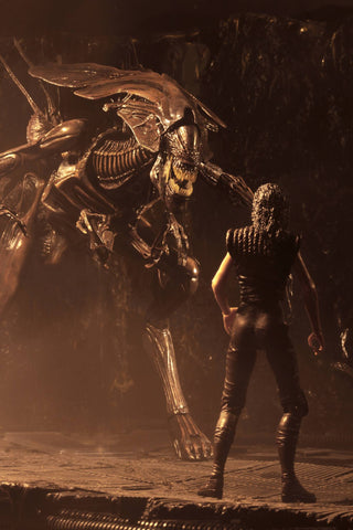 In Stock! NECA Alien: Resurrection Ultra Deluxe Alien Queen Figure