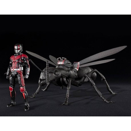 Sale! S.H.Figuarts Antman with Giant Ant